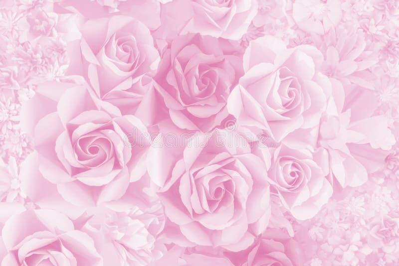 美丽的装饰人为纸上升了情人节或喜帖的花背景 免版税库存图片