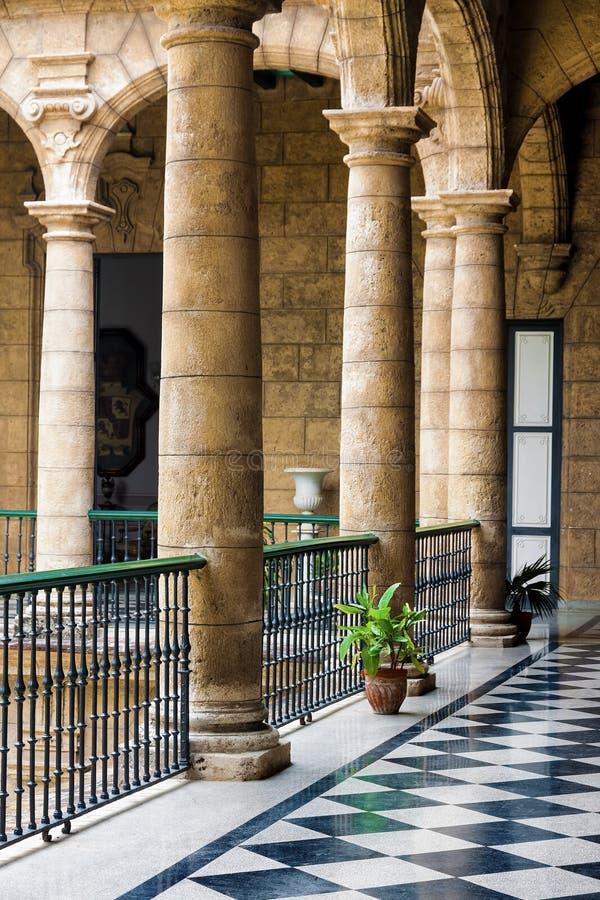 美丽的西班牙宫殿在哈瓦那 免版税库存图片