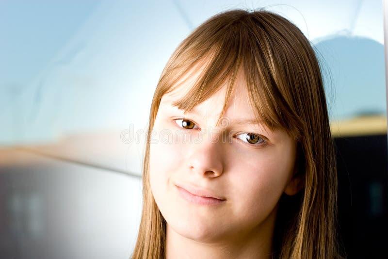 美丽的逗人喜爱的女孩纵向少年年轻&# 免版税图库摄影