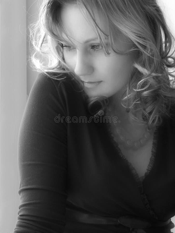 美丽的金发碧眼的女人 免版税库存图片