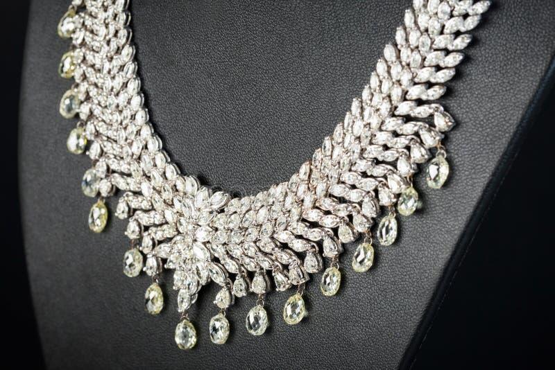 美丽的钻石项链 免版税库存照片