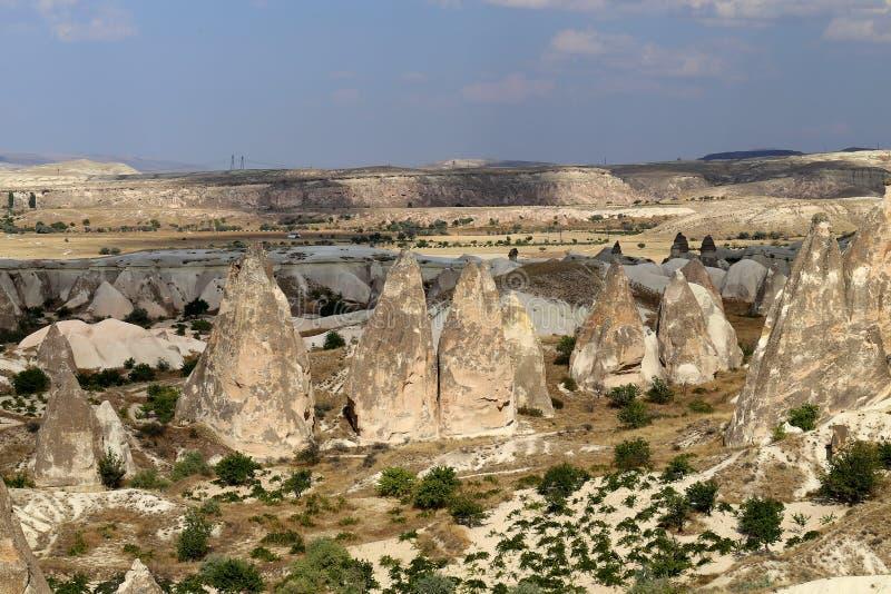 美丽的锥体岩石在卡帕多细亚土耳其 库存照片