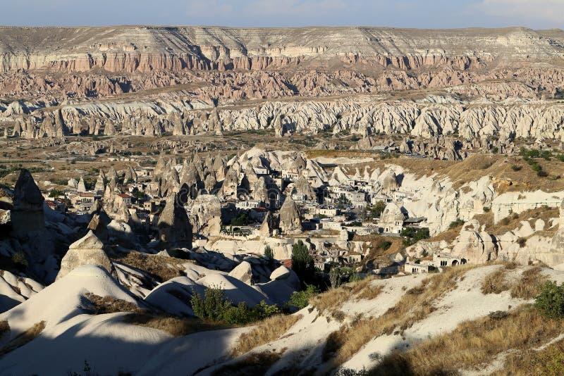 美丽的锥体岩石在卡帕多细亚土耳其 免版税库存图片