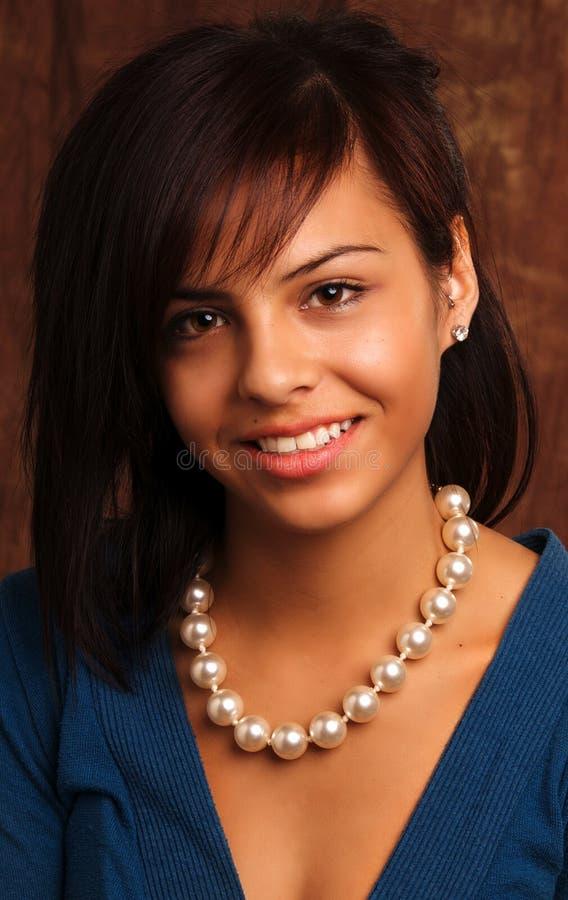 美丽的面对的新鲜的拉提纳妇女年轻&# 免版税库存照片