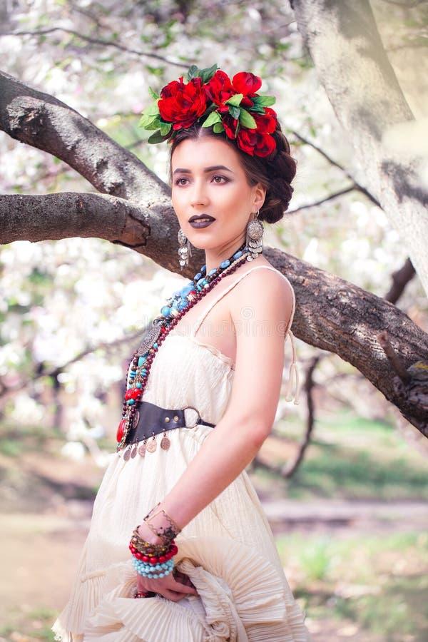 美丽的年轻墨西哥妇女 免版税图库摄影