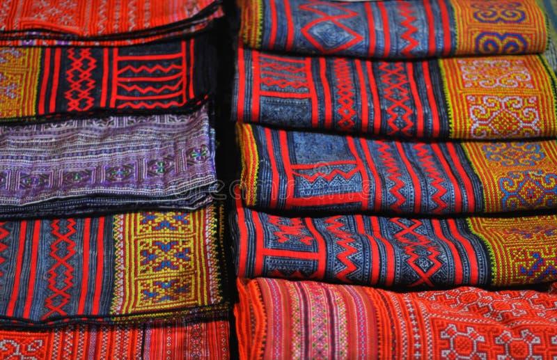 美丽的围巾待售 免版税库存照片