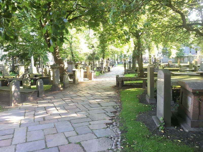 美丽的晴朗的苏格兰坟园 库存照片