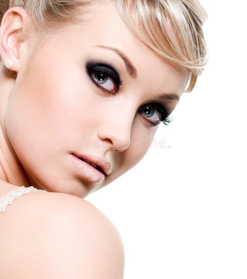 美丽的黑眼睛妇女 库存照片