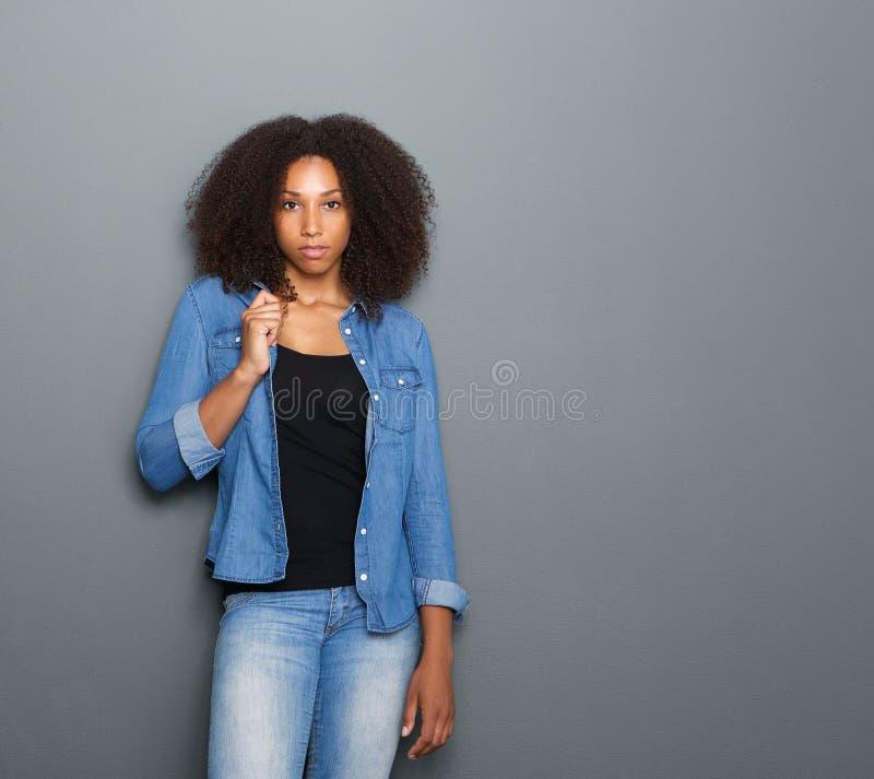 美丽的黑色纵向妇女年轻人 库存图片