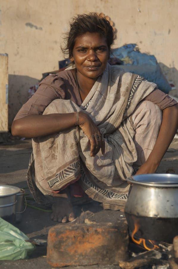 美丽的年轻街道妇女在金奈,印度 库存图片