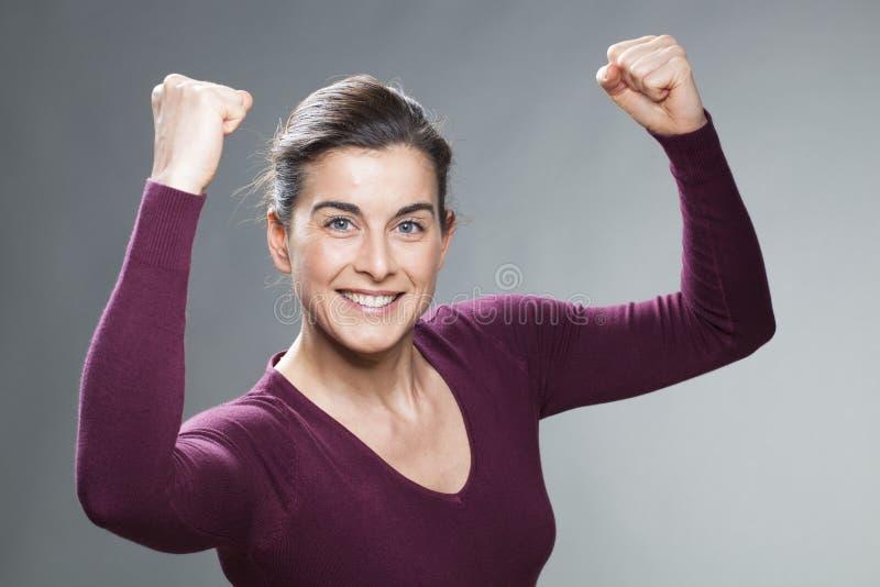 美丽的30s妇女的女性成功概念 免版税库存图片