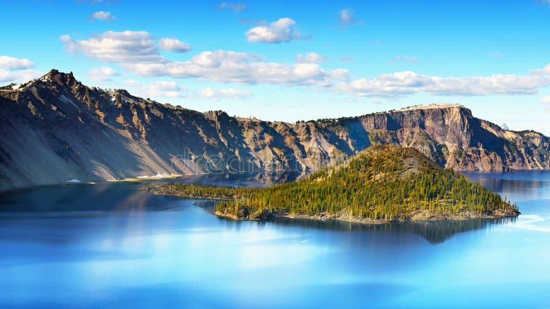 美丽的America最深的湖, Crater湖俄勒冈,旅游胜地 库存照片