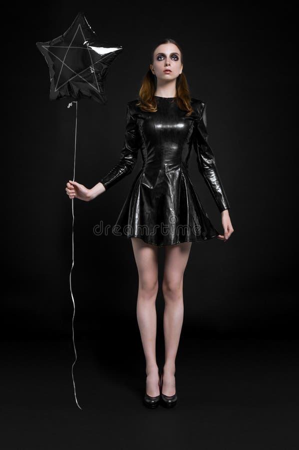 美丽的goth女主人罪恶女孩 免版税库存照片