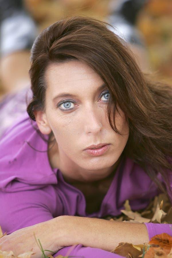 美丽的headshot妇女 免版税库存图片