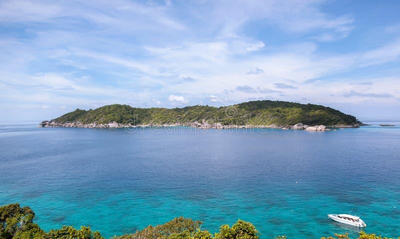 Download 美丽的Similan海岛 库存图片. 图片 包括有 泰国, 盐水湖, 旅游业, 风景, 环境, 聚会所, 火箭筒 - 62533519