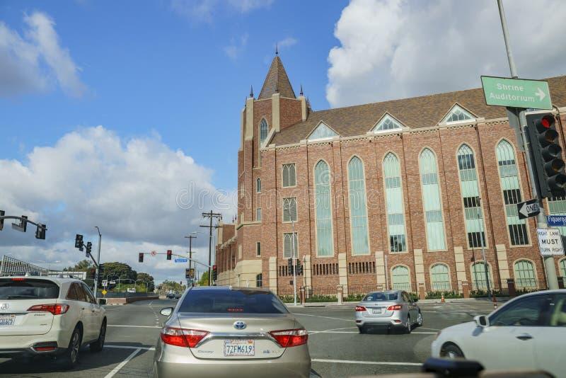 美丽的USC马歇尔工商管理硕士大厦的外视图在USC的 免版税库存图片