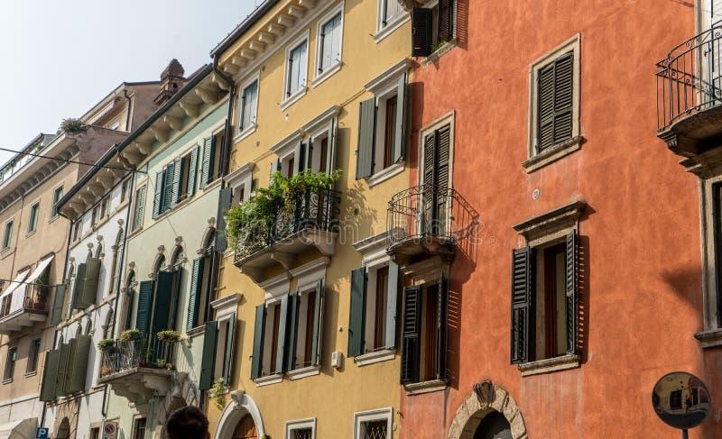 美丽,地中海门面在维罗纳 免版税库存图片