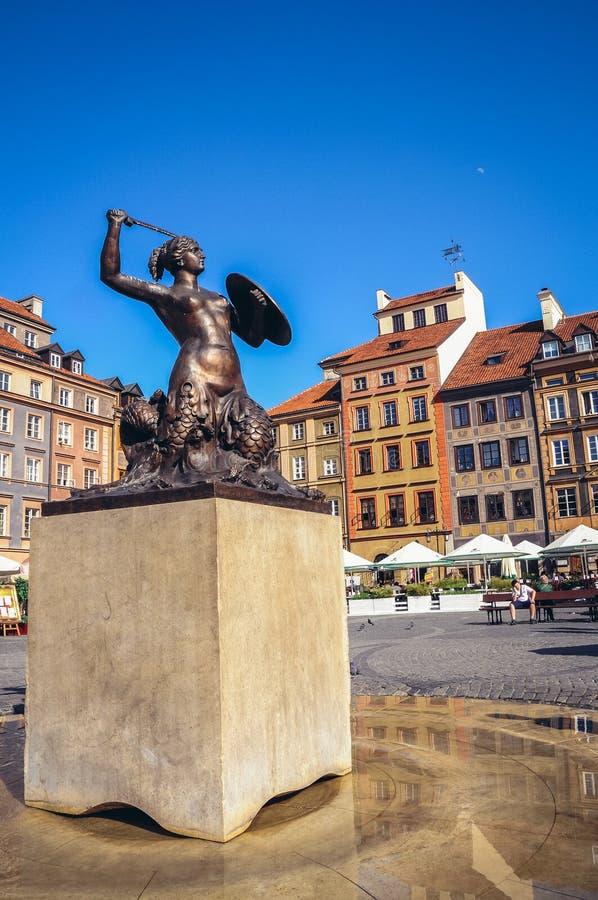 美人鱼雕象在华沙 库存照片