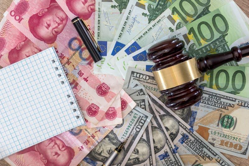 美元和欧洲,元钞票 库存图片
