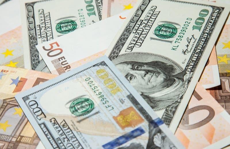美元和欧洲钞票 库存图片