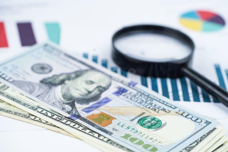 美元在图图表背景资料的钞票金钱 免版税库存图片