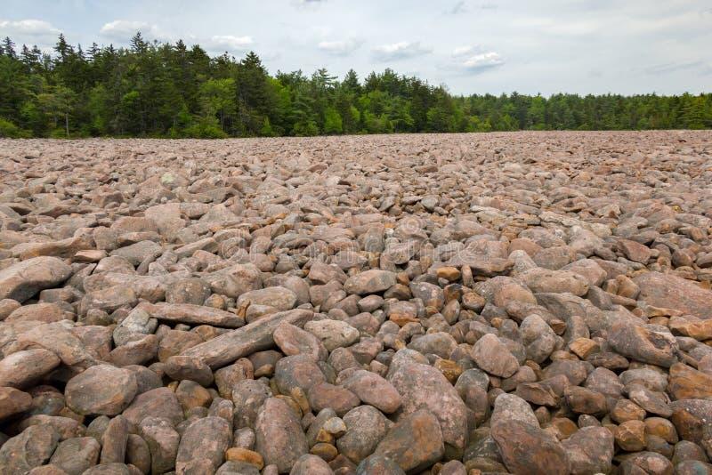 美利坚合众国宾夕法尼亚州哈莫尼湖山核桃园州立公园博尔德球场 免版税库存照片