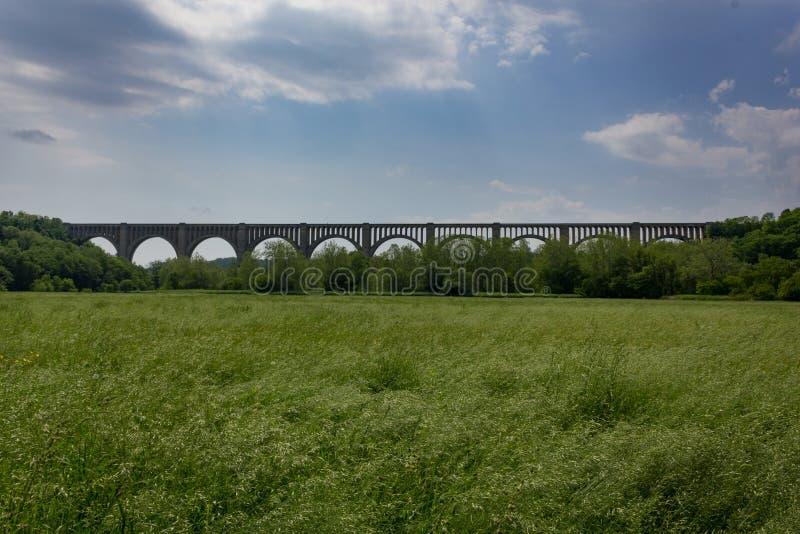 美利坚合众国宾夕法尼亚州尼科尔森的通汉诺克溪高架桥 免版税库存图片
