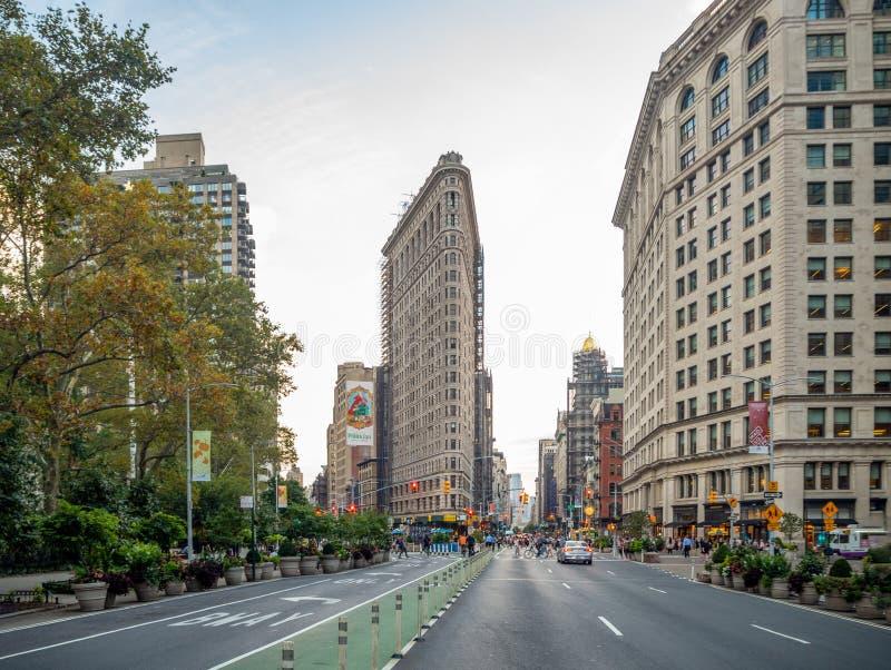 美利坚合众国纽约市曼哈顿:[麦迪逊广场Daniel Burnham建造的Flatiron Fuller大楼] 图库摄影