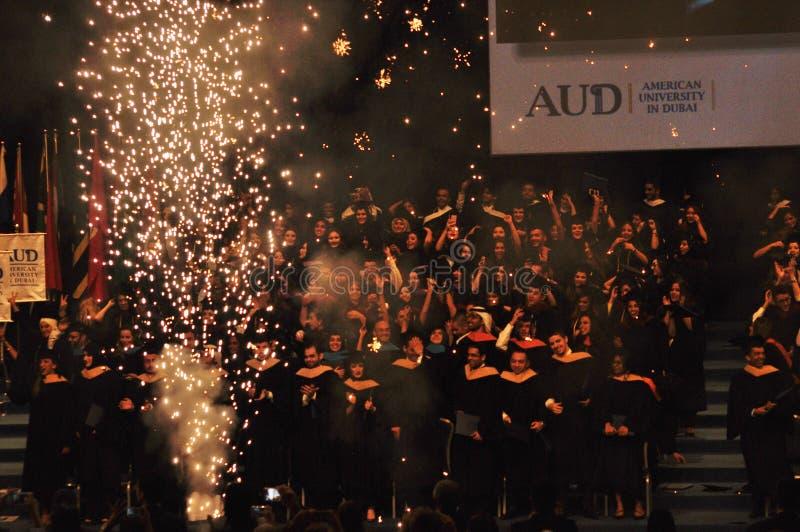 美利坚大学迪拜-在毕业典礼的烟花 免版税库存照片