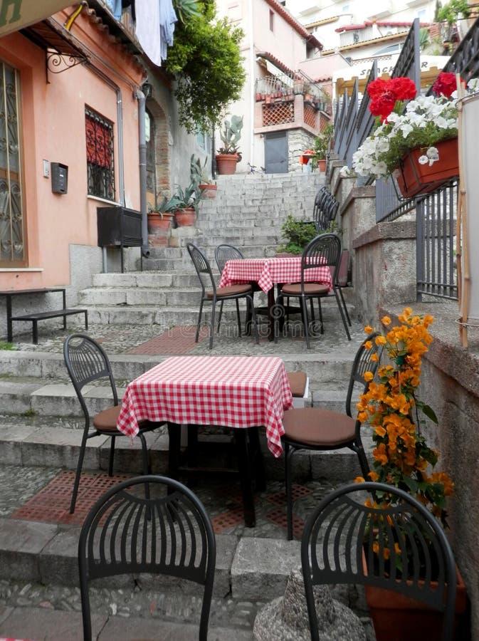 美味的咖啡馆在墨西拿,西西里岛,意大利 图库摄影