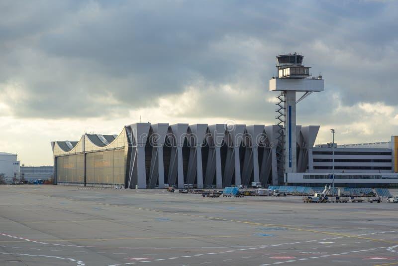 美因河畔法兰克福机场大厦的看法,德国 库存照片