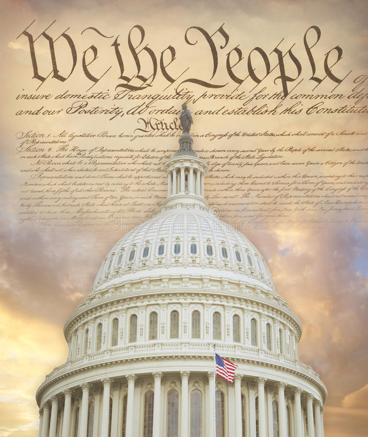 美国与宪法的国会大厦圆顶 免版税库存照片