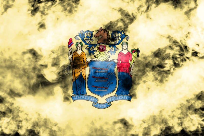美国各州新泽西的国旗反对一股灰色烟的在蓝色红色不同颜色的独立的那天  皇族释放例证