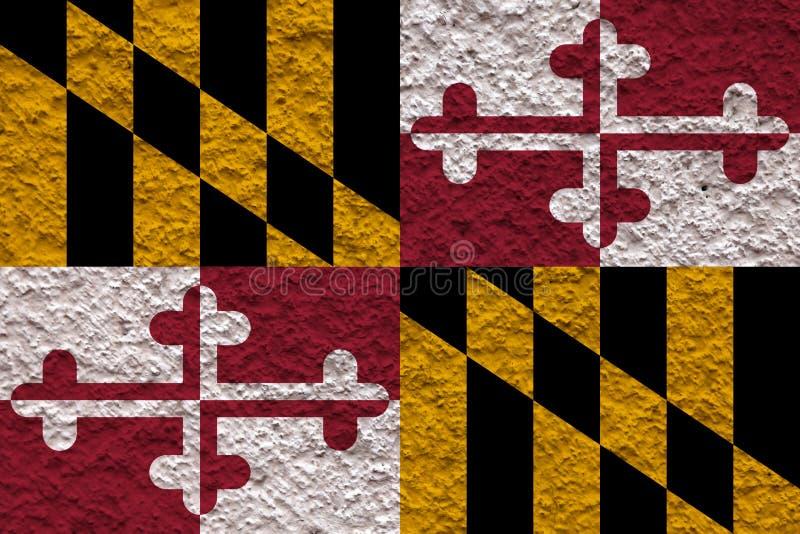 美国各州马里兰的国旗对有石表面的灰色墙壁在黑,红色的独立的那天和 免版税库存图片