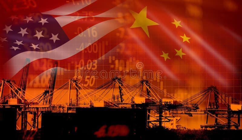 美国和中国贸易战经济冲突税企业财务金钱/美国提高了在物品进口的税从中国的  库存图片