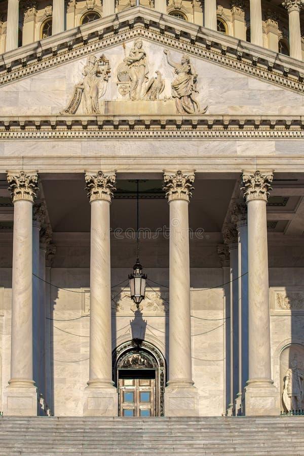 美国国会大厦大厦的细节在华盛顿D C 库存图片