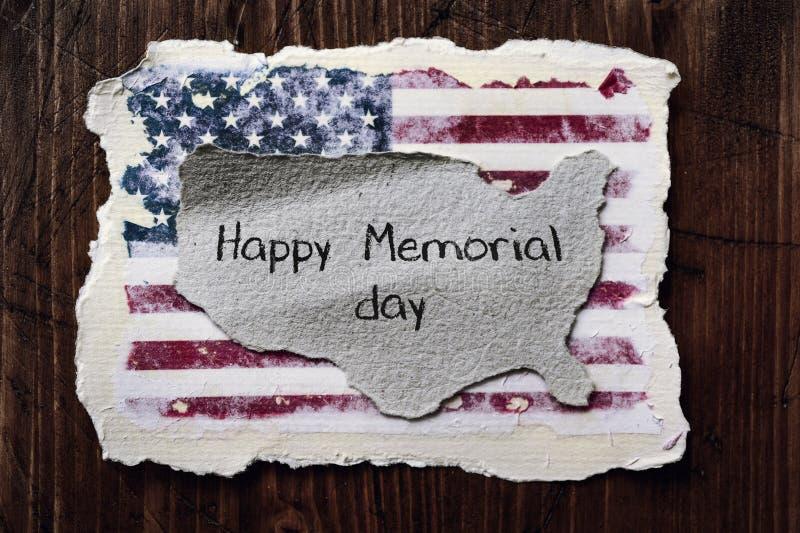 美国国旗和文本愉快的阵亡将士纪念日 库存图片