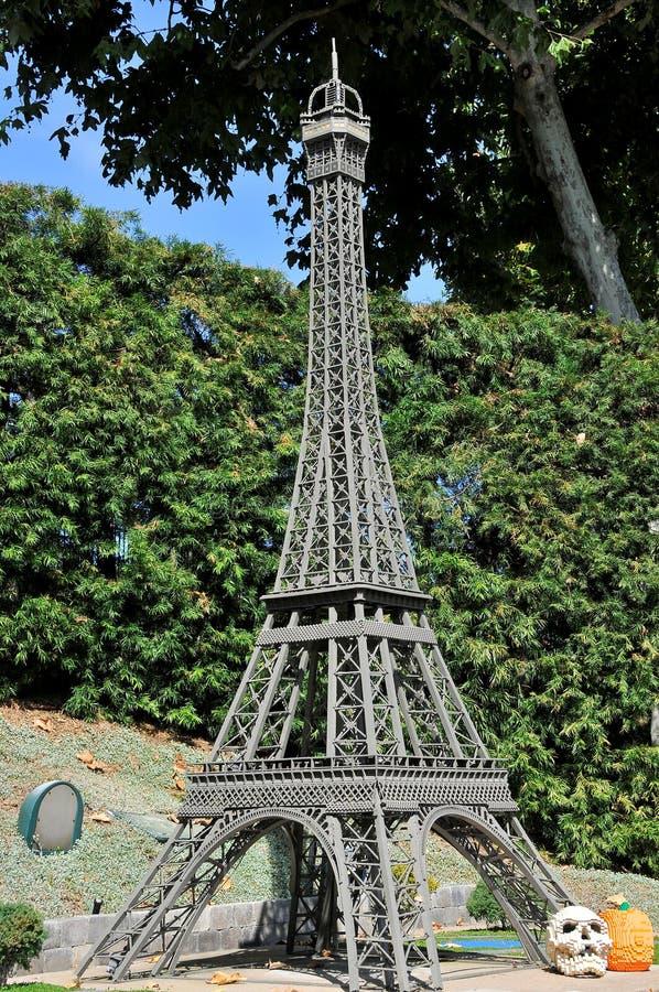 美国圣地亚哥 — 2019年9月23日:埃菲尔铁塔在乐高乐园的复制 库存照片
