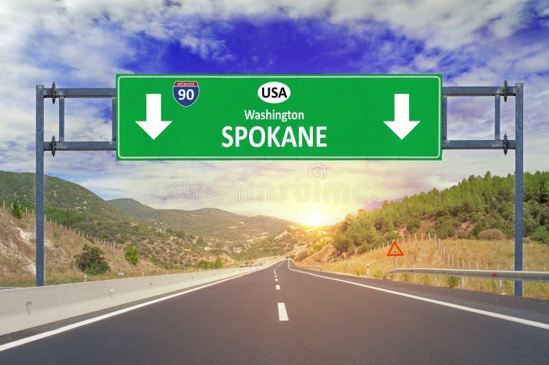 美国城市斯波肯在高速公路的路标 库存照片