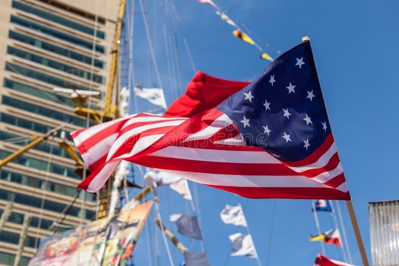 美国旗子在船挥动 库存照片