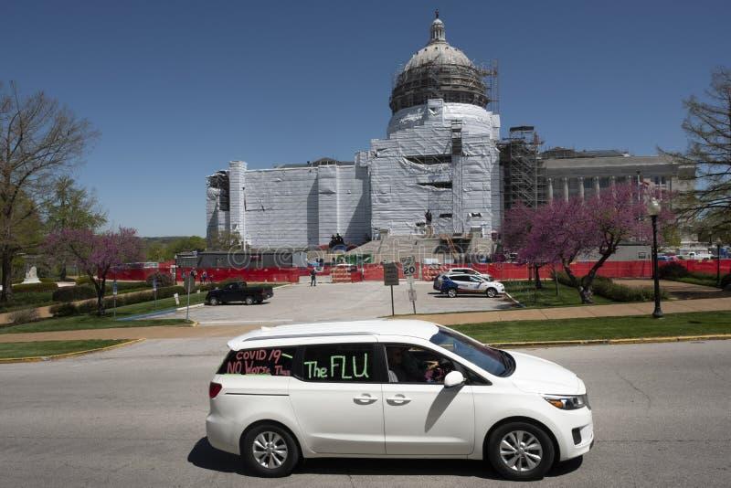 美国杰斐逊城2020年4月21日:密苏里州首府抗议重新开放州 图库摄影