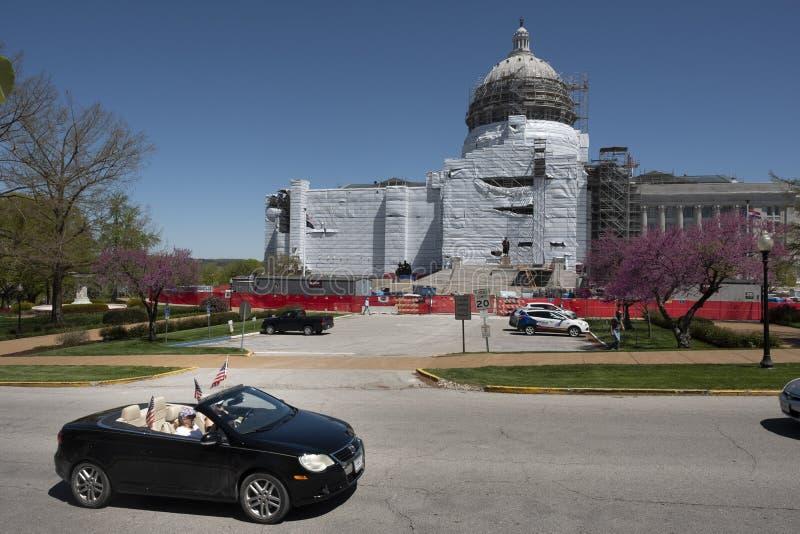 美国杰斐逊城2020年4月21日:密苏里州首府抗议重新开放州 库存图片
