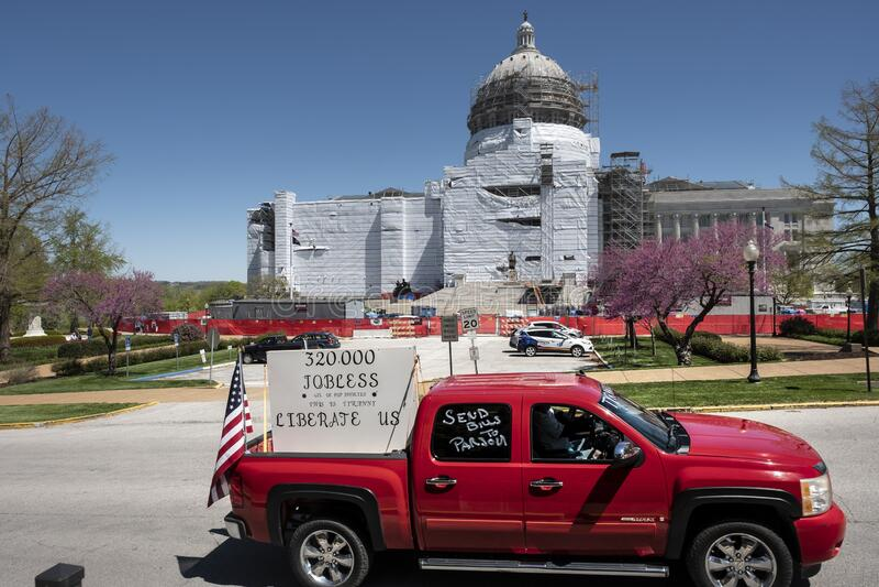 美国杰斐逊城2020年4月21日:密苏里州首府抗议重新开放州 免版税图库摄影
