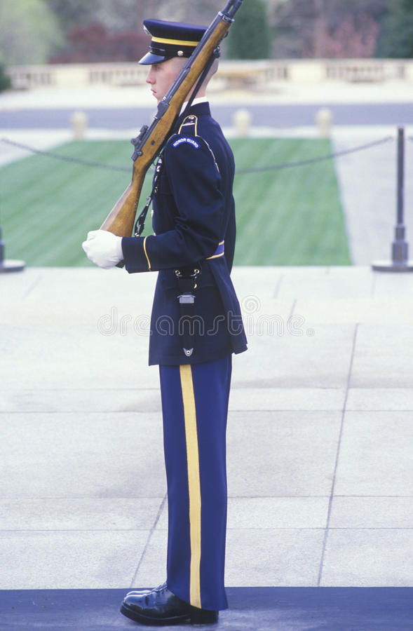 美国海军陆战队员卫兵,阿灵顿国家公墓,华盛顿, D C 免版税库存照片