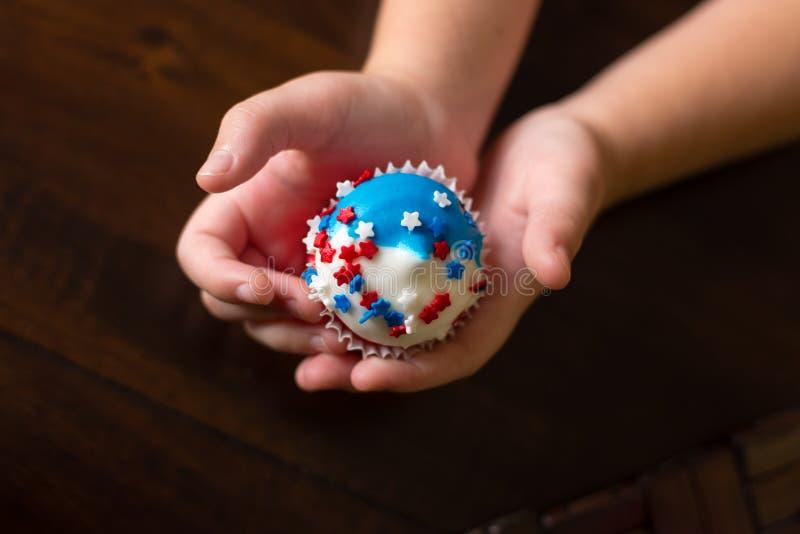美国独立纪念日星杯形蛋糕 库存照片