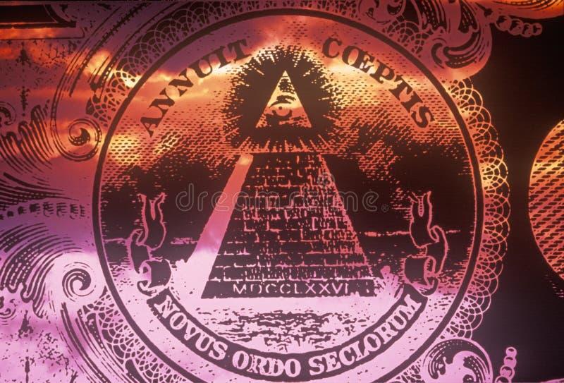 美国的全国封印,与上帝- Novus Ordo Seclorum的所有看见的眼睛的一座金字塔的正面(反向)边 图库摄影