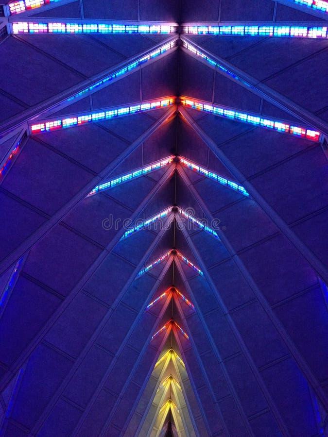 美国空军队军校学生教堂彩色玻璃天花板 库存图片
