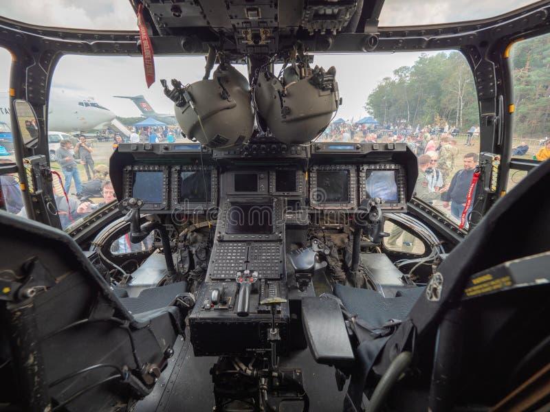 美国空军队的白鹭的羽毛CV-22的驾驶舱的图象 在一比利时airshow期间,飞机被陈列了 免版税库存图片