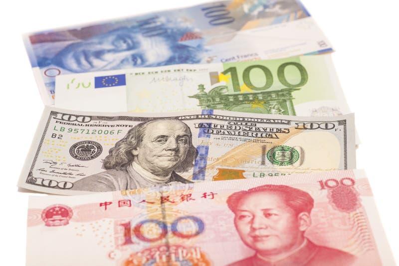 美国美元、欧洲欧元、瑞士法郎和中国元票据 库存图片
