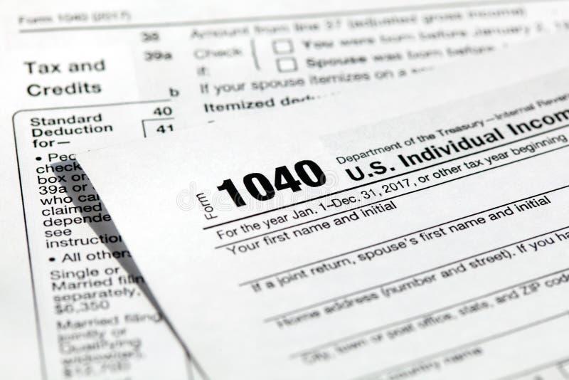 美国美国单独纳税申报的报税表1040 库存照片